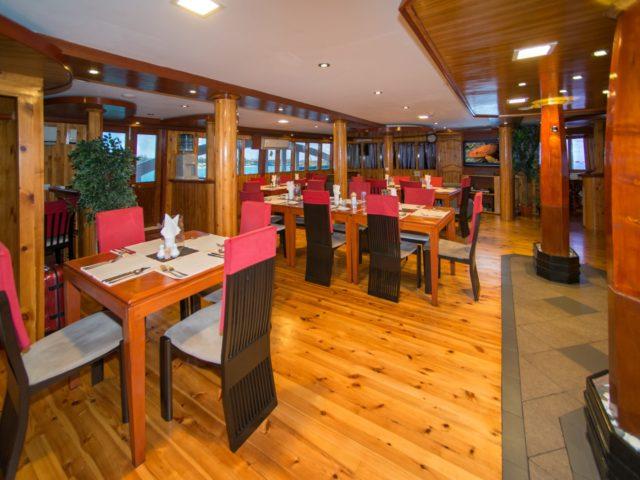 maldives-MV-Orion-restaurant-Large